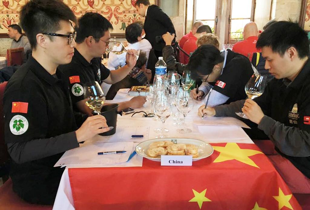 Degustation-equipe-chine-championnat-2017-hebdo-vin-lemaire
