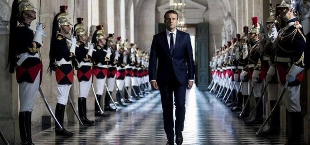 Macron-versailles-hebdo-vin-chine-lemaire