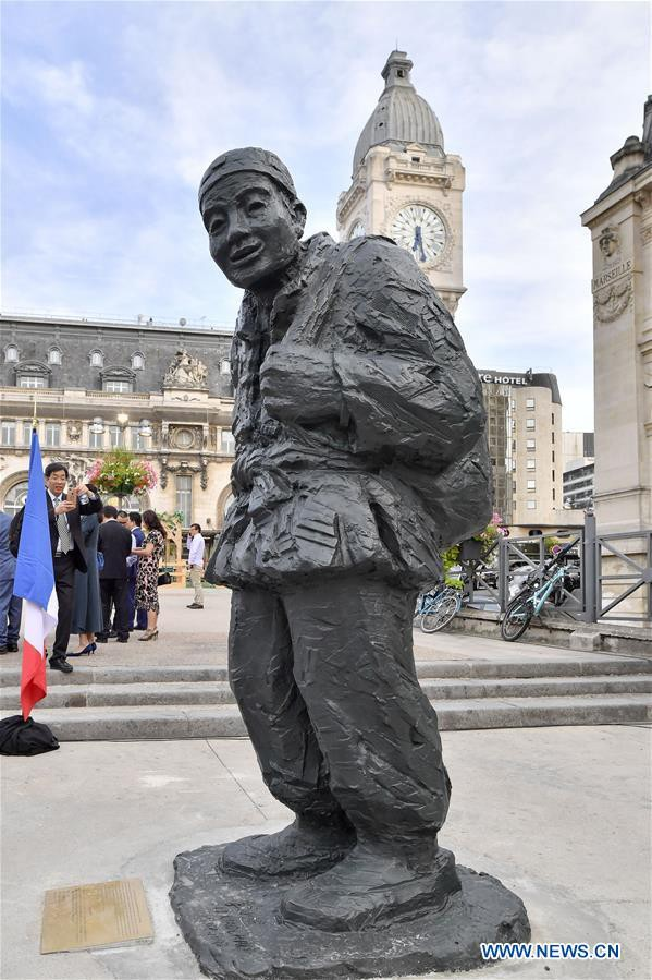 Statue-travailleur-chinois-guerre-lemaire-hebdo-vin-chine