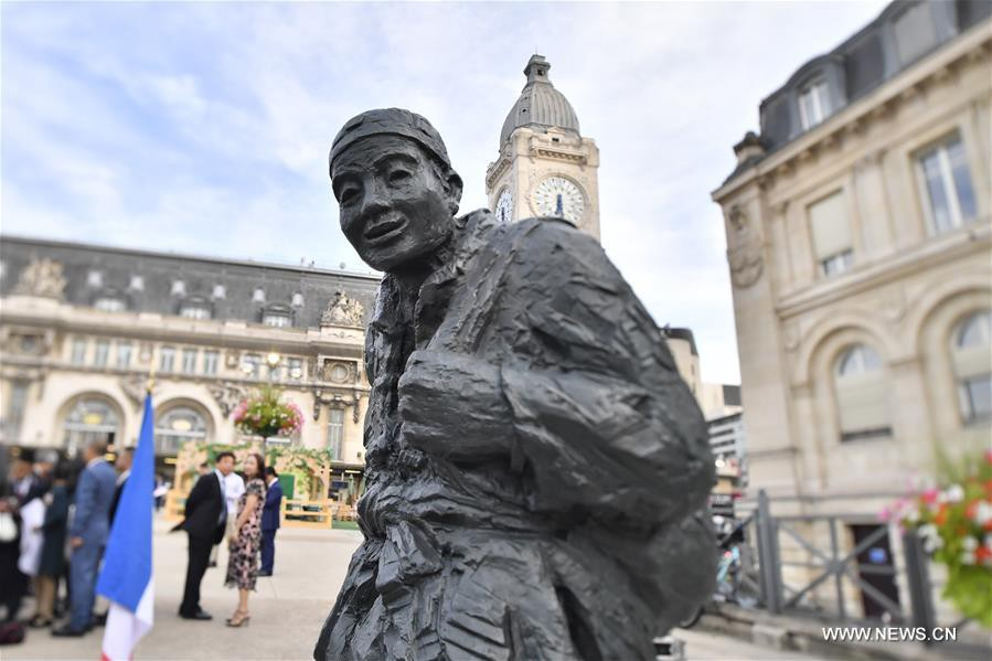 Statue-travailleurs-chinois-guerre-lemaire-hebdo-vin-chine
