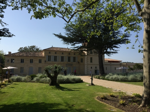 Monlot-chateau-jardin-lemaire-hebdo-vin-chine