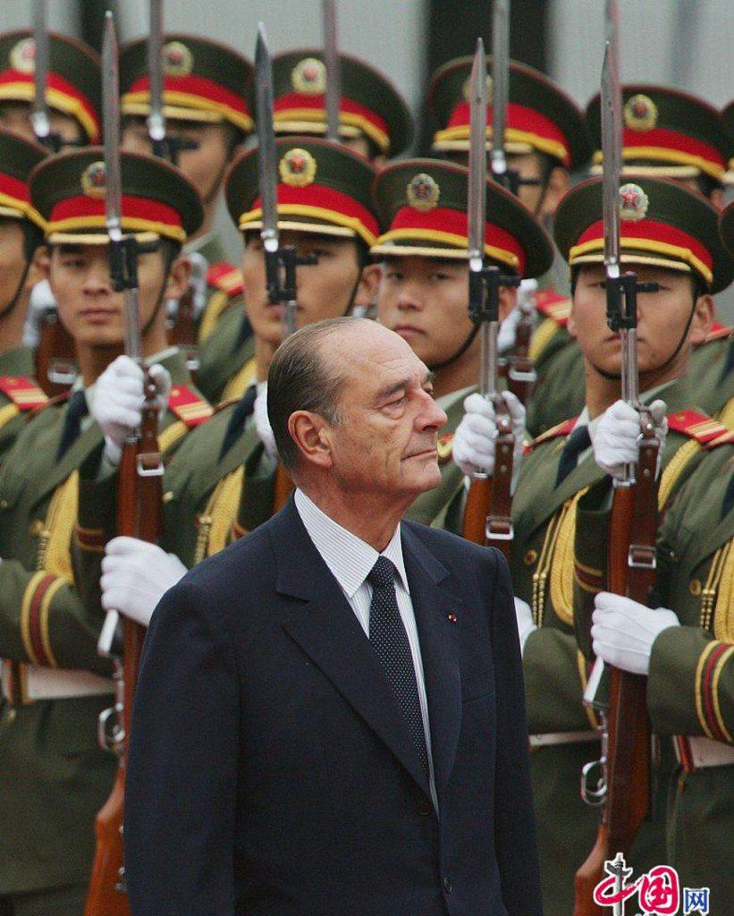 Chirac-garde-honneur-chine-mort-lemaire-hebdo-vin