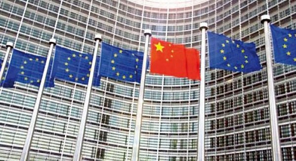 drapeaux-europe-chine-lemaire-hebdo-vin