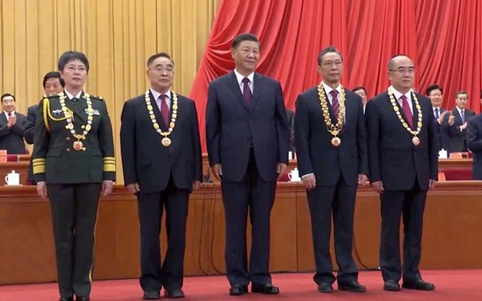 xi-medailles-covid-victoire-septembre-lemaire-hebdo-vin-chine